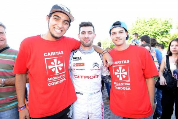 WTCC-2015-CORDOBA-Show-CITROEN-PECHITO-LOPEZ-avec-ses-fans.