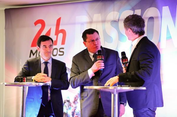 24-HEURES-DU-MANS-MOTO-2015-Présentation-Pierre-FILLON-Président-ACO-et-Jacques-BOLLE-Président-de-la-FFM