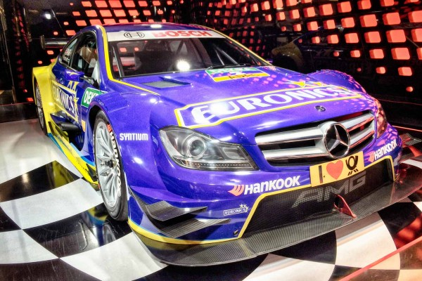 DTM-2015-MERCEDES-ART-GP-Presentation-sur-les-CHAMPS-ELYSEES-A-PARIS-le-8-avril