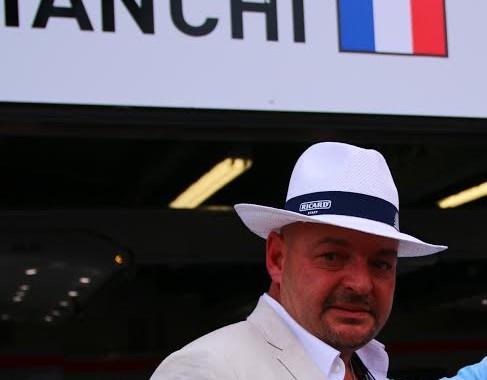 F1-MONACO-Philippe-BIANCHI-devant-le-stand-MARUSSIA-et-le-box-de-son-fils-Jules