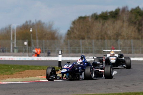 F3-2015-SILVERSTONE-GEORGE-RIUSSELL-et-CHARLES-LECLERC