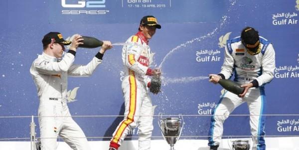 GP2-2015-BAHREIN-RIO-HARYANTO-vainqueur-sur-le-podium-de-la-seconde-course-avec-Stoffel-VANDOORNE-et-Nathanael-BERTHON-