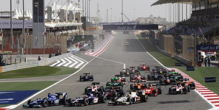 GP2-2015-Le-depart-de-la-seconde-course-le-dimanche-19-avril-sur-le-circuit-de-SAKHIR-a-BAHREIN