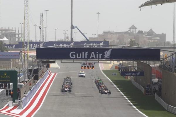 GP2-2015-Le-depart-le-dimanche-19-avril-sur-le-circuit-de-SAKHIR-a-BAHREIN.