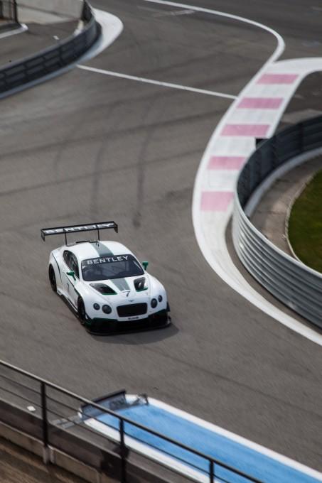 GT-ASIA-2014-MACAO-LA-Bentley-GT3-3-de-Jean-Karl-VERNAY.jpg 8 avril 2015