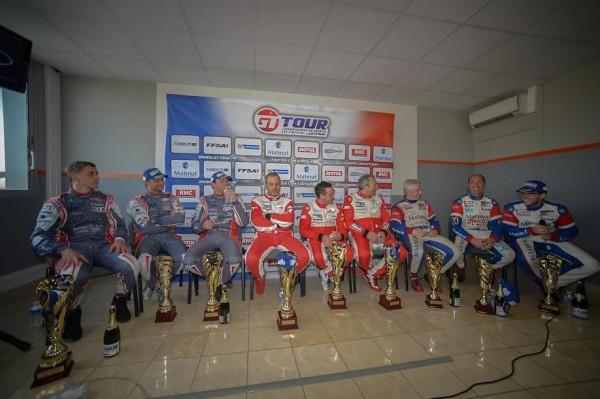 GT-TOUR-2015-Ledenon-iNTERVIEWS-des-trois-premiers-equipages-de-la-1ére-course-Photos-Antoine-CAMBLOR