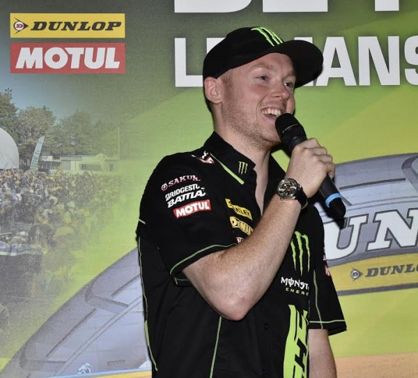 MOTO-GP-2015-FRANCE-Présentation-le-23-avril-a-PARIS-BRADLEY-SMITH-Equipe-TECH-3-Photo-Max-MALKA