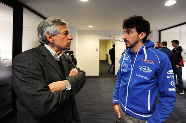 Claude MICHY et le jeune pilote Louis ROSSI ce jeudi lors de la présentation officielle des 24 Heures du MANS Motos