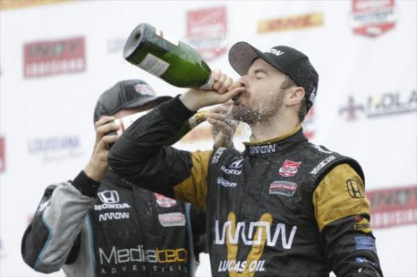 NDYCAR-2015-GP-DE-LOUISIANE-JAMES-HINCHCLIFFE-HEUREUX-vainqueur