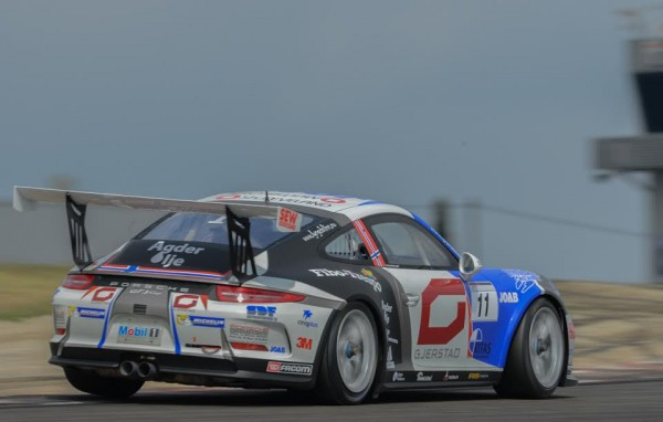 PORSCHE-CARRERA-CUP-2015-LEDENON-ROAR-LINDLAND-Photo-Antoine-CAMBLOR.