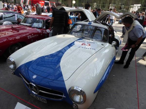 TOUR-AUTO-2015-Mercedes-Benz-300SL-de-1955-pilotée-par-Félix-Baumgartner