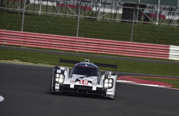 WEC-2015-SILVERSTONE-12-avril-PORSCHE-N°-18-Photo-Max-MALKA