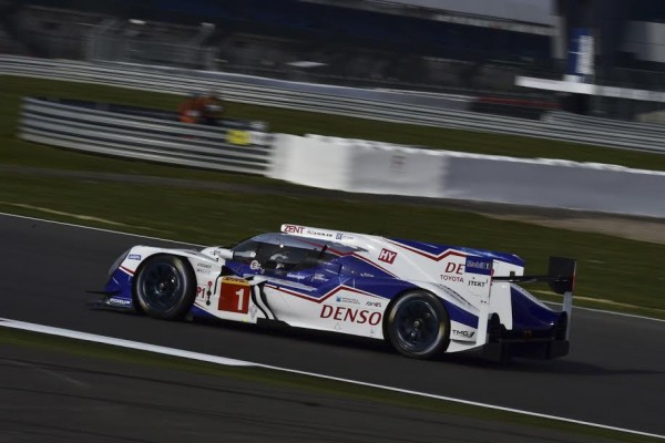 WEC-2015-SILVERSTONE-12-avril-TOYOTA-N°-1-Photo-Max-MALKA