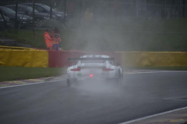 WEC-2015-SPA-Jeudi-26-avril-PORSCHE-911-RSR-MANTHEY-photo-Max-MALKA