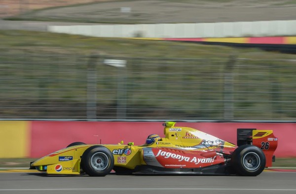 WORLD-SERIES-by-RENAULT-2015-MOTORLAND-Formule-3.5-TOM-DILLMANN-Team-JAGONYA-by-CARLIN-Photo-Antoine-CAMBLOR.