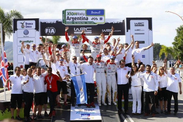 WRC-2015-ARGENTINE-26-avril-VICTOIRE-ET-DOUBLE-DES-DS3-LA-JOIE-DES-PILOTES-CITROEN