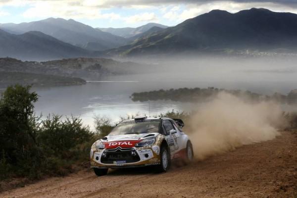 WRC-2015-ARGENTINE-KRIS-MEEKE-solide-leader-avec-sa-DS3
