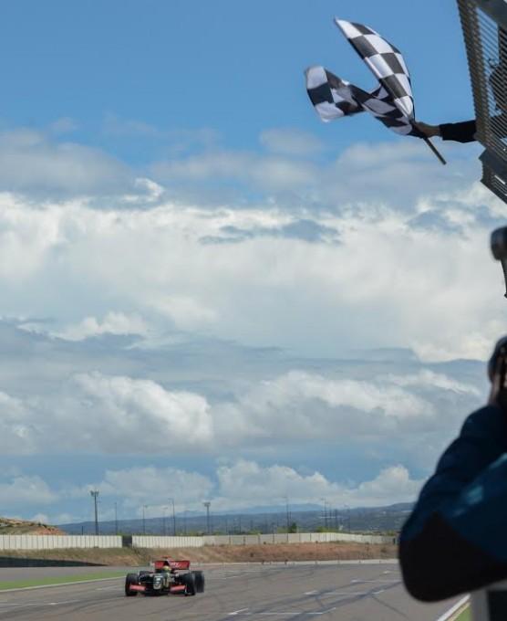 WSR-2015-MOTORLAND-ARAGON-Dimanche-26-avril-Arrivee-victorieuse-pour-MATHIEU-VAXIVIERE-Photo-Antoine-CAMBLOR
