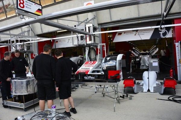 24 HEURES DU MANS 2015 -Test preliminaire - Stand AUDI N°8 - Photo Max MALKA