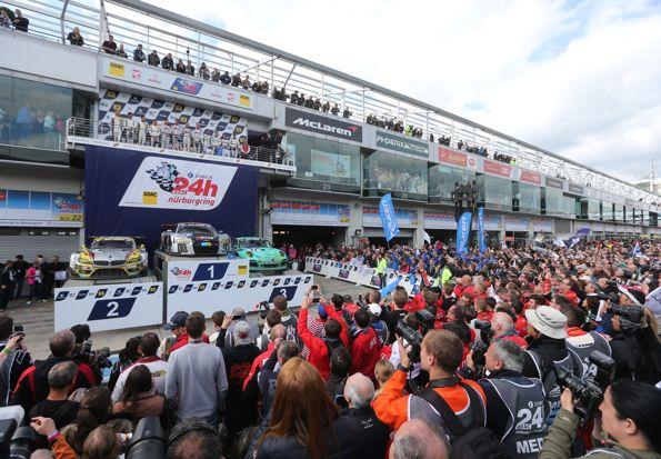 24 HEURES DU NURBURGRING 2015 Le doublre podium pilotes et voitures