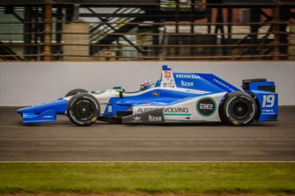 500-MILES-2015-Qualifié au volant de la DALLARA  N°19, Tristan VAUTIER roulera avec la N°18 De HUERTAS