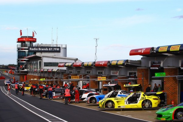 BLANCPAIN-2015-BRANDS-HATCH-LES-STANDS