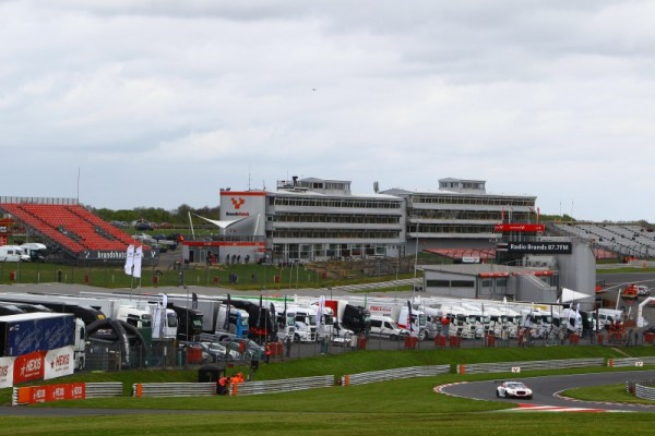 BLANCPAIN-2015-Vue-du-circuit-de-BRANDS-HATCH