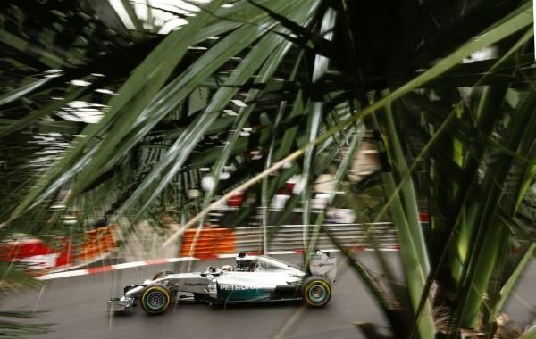 F1-MONACO-MERCEDES-de-Lewis-HAMILTON