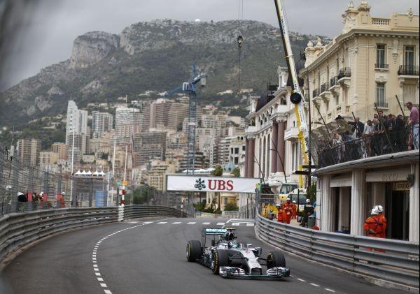 F1-2014-MONACO-la-MERCEDES-de-Nico-ROSBERG.