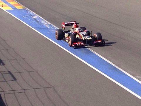 F1-2014-VALENCIA-Test-ESTEBAN-OCON-avec-la-LOTUS-DE-2012.