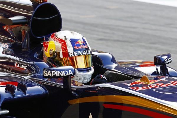 F1 2015 - BARCELONE- Essais privés collectifs - 12 MAI Pierre GASLY au volant de la TORO ROSSO RENAULT