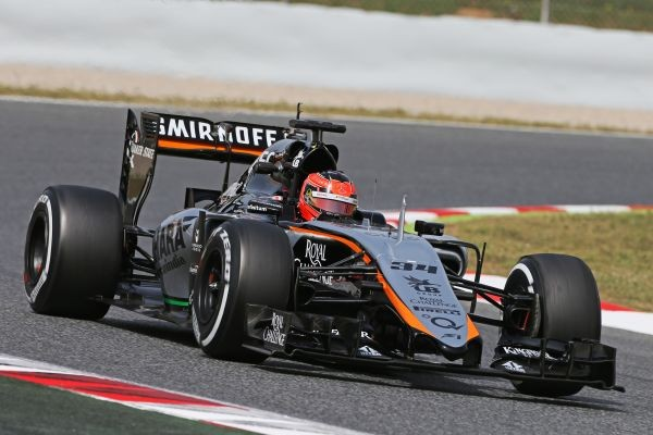 F1-2015-BARCELONE-Test-PIRELLI-12-Mai-ESTEBAN-OCON-au-volant-de-la-FORCE-INDIA-MERCEDES