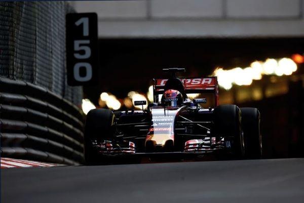 F1-2015-MONACO-TORO-ROSSO-RENAULT-de-Max-VERSTAPPEN.