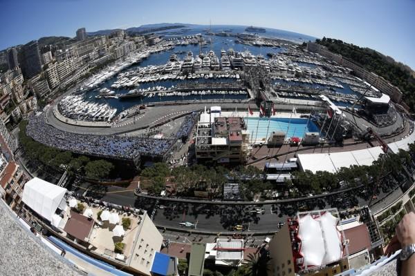 F1 2015 MONACO vue du circuit sur le port.