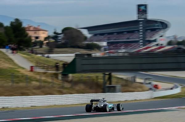 F1-2015-MONTMELO-Dimanche-1er-mars-NICO-ROSBERG-et-la-MERCEDES-Photo-Antoine-CAMBLOR.
