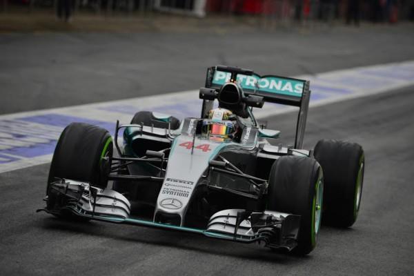 F1-2015-MONTMELO-Jeudi-26-fevrier-MERCEDES-HAMILTON-Photo-Max-MALKA