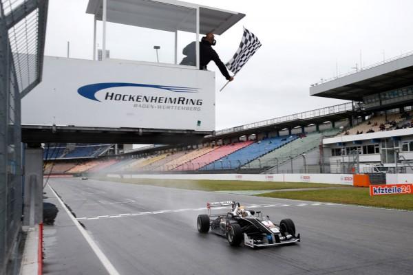 F3-2015-HOCKENHEIM-CHARLES-LECLERC-remporte-la-3éme-manche-le-3-mai.