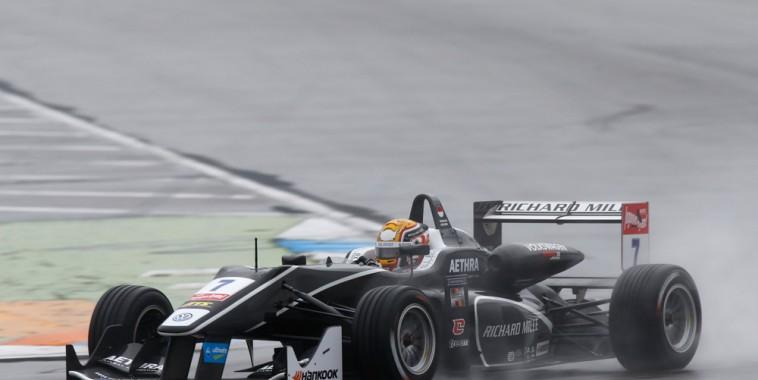 F3-2015-HOCKENHEIM-CHARLES-sous-la-pluie-dans-la-seconde-manche