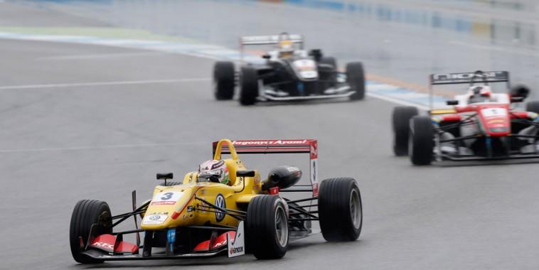 F3-FIA-2015-HOCKENHEIM-Antonio-GIOViNAZZI-devant-ROSENQVIST-et-Charles-LECLERC
