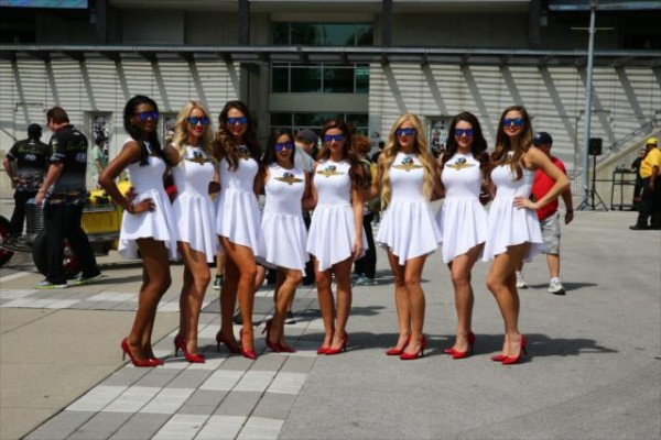 INDYCAR-2015-GP-INDIANAPOLIS-LES-GRID-GIRLS