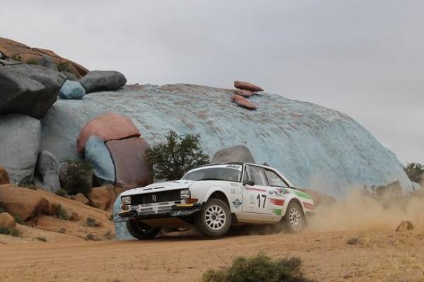 MAROC-HISTORIQUE-2015-PEUGEOT-504-Coupé-Francois-LETHIER-Patrick-CIOCCAHAASE-FOTO-CLASSIC