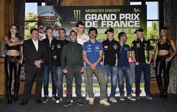 MOTO-GP-2015-FRANCE-Présentation-le-23-avril-a-PARIS-les-pilotes-FRANCAIS-reunis-avec-Jacques-BOLLE-FFM-et-Claude-MICHY-le-Promoteur-Photo-Max-MALKA