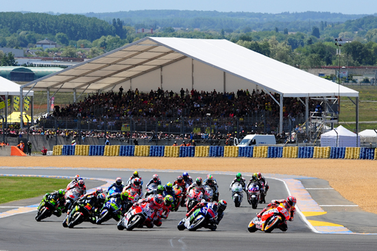 MOTO-GP-2015-GP-de-FRANCE-Enorme-succes-populaie-les 15 - 16 et 17-Mai tout autour du circuit BUGATTI du MANS