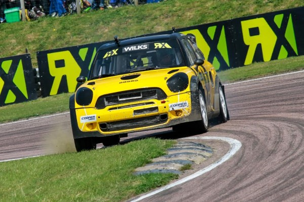 RALLYCROSS-2015-BEGGIN-HILL-Guy-Wilt-et-sa-Mini-en-finale-belle-performance-du-champion-anglais-des-rallyes.