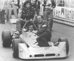 RENZO-ZORZI-Sa-victoire-au-Grand-Prix-de-Monaco-1975-Une-victoire-chanseuse-suite-accrochage-en-Alex-Diaz-Ribeiro-et-Tony-Brise-Mais-une-victoire-qui-allait-le-propulser-en-F1-cette-année-la