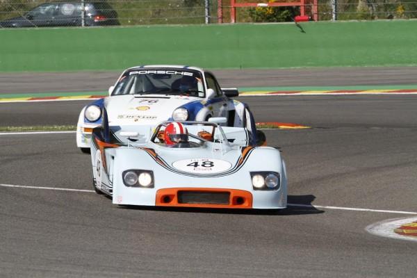 SPA-CLASSIC-2015-CER-1-Duel-entre-une-Porsche-908-et-911-©-Manfred-GIET