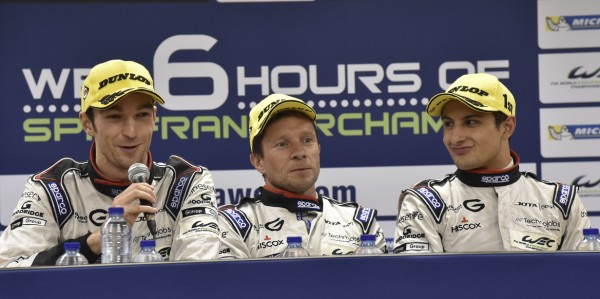 WEC-201-SPA-les-pilotes-JOTA-Sport-victoeieux-en-LMP2-Photo-Max-MALKA