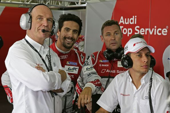 WEC-2014-SAO-PAULO-Le-Docteur-ULLRICH-avec-les-pilotes-AUDI-N°1-Tom-KRISTENSEN-Loic-DUVAL-et-Lucas-di-GRASSI.