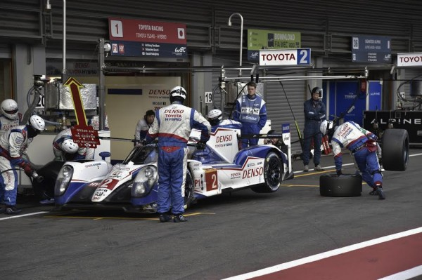 WEC-2015-SPA-Course-difficile-pour-les-TOYOTA-Photo-Max-MALKA