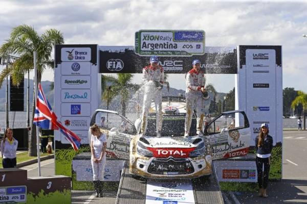 WRC-2015-ARGENTINE-26-avril-VICTOIRE-ET-CHAMPAGNE-pour-MEEKE-NAGLE-LA-JOIE-DES-PILOTES-CITROEN